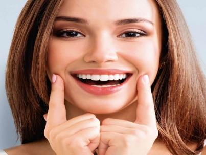 اصلاح لبخند لثه ای با بوتاکس