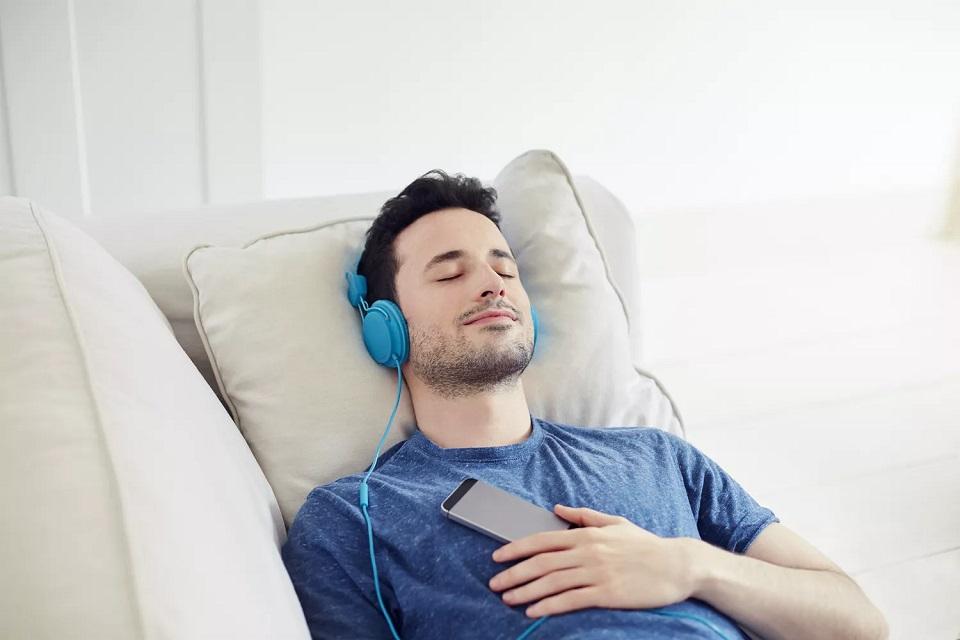 تاثیر موسیقی بر خواب