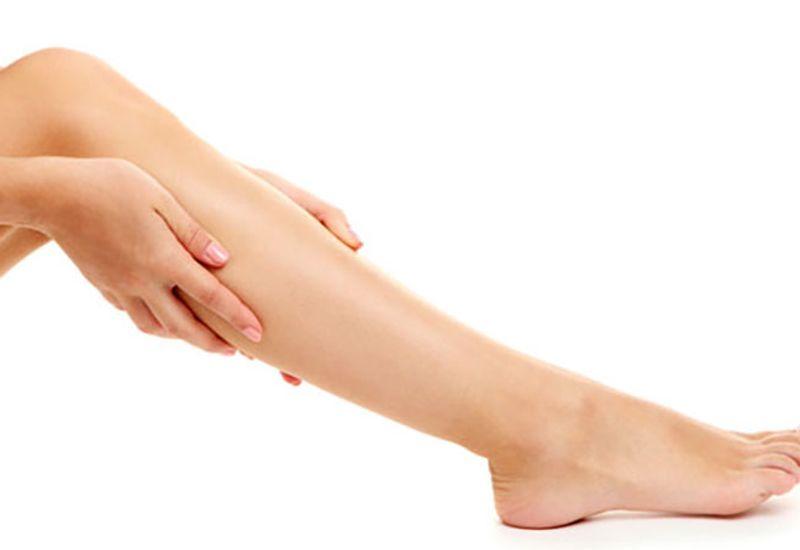 علت براق بودن پوست ساق پا