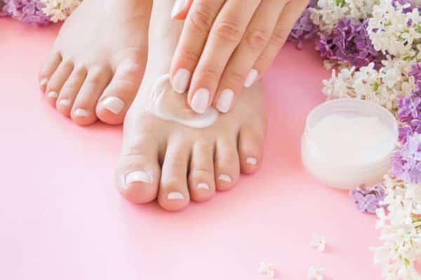 پماد برای خشکی پوست پا